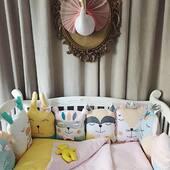 In acest set de aparatoare animalute vorbim despre culoare, veselie si povesti. Ne place combinatia de nuante si setul de lenjerie perfect asortat. ⭐🦄🦊💛 . . . . #accesoriibebelusi #lenjeriepatut #bebefericit #cadoubotez #babybedding #babybeddingset #cribbedding