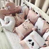 Pentru ca mamicile adora combinatia de roz pudrat si alb, iar copiii iubesc animalutele, am realizat un set jucaus de aparatoare 💓💓💓 . . . . #beddingset #cribbumper #cribbedding #accesoriipătuț #accesoriibebelusi #lenjeriebebelusi #lenjeriepatut