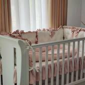💕💕💕 . . . . #aparatoripatut #aparatoarepatut #lenjeriipatut #babynest #babynestromania #accesoriipătuț #cadoubotez #babybedding #babygirlbedroom #babygirl #babyroomaccessories #babyroomdecor