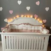 Un cadru de poveste invaluie camera micutei Natalia, iar aparatoarele noastre se potrivesc perfect cu patutul si cu intreaga ambianta. 🥰🥰🥰 . . . . . #accesoriisbaby #lenjeriipatut #aparatoripatut #aparatoarepatut #protectiipatut #pernabebe #lenjeriibebe #lenjeriicopii #pernabebelusi #cadoubotez #botez #botezdepoveste #botez🍼🍬🎊🎀🎉🍼🎊🎉 #babylinen #babybedding #babybeddingset #cribbedding #criblinen #bumperset #babyshowergift #babyshowergifts #babyshower #personalisedbabygift #cadoupersonalizatcopii